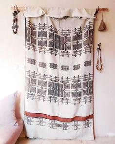 Tejidos que se convierten en puertas 🧡  #moroccantextiles @somethingspecial.es Curtains, Shower, Bathroom, Prints, Instagram, Doors, Tejidos, Rain Shower Heads, Washroom