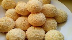Kívül ropogós, belül omlós kókuszos keksz, végre egy csodás recept - Egyszerű Gyors Receptek Biscuits, Cornbread, Cake, Ethnic Recipes, Cookies, Food, Coconut Balls, Sweet Recipes, Moroccan Recipes