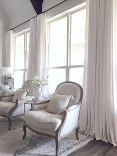 Elegant Living Room Window Treatment Ideas