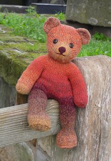 Vera is a classical teddy bear, a bear like every child should have. Knitting her from heavy yarn yields a friendly softy, the friend for your child or grandchild, or your own to sit on the couch. In lighter yarn you get the big bears' child.