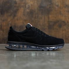 The Men's Nike Air Max LD Zero Shoe blends heritage roots with modern innovation. A sleek mesh upper stays true to the Nike DNA, while a visible Max Air unit delivers plush cushioning you can see.Sleek mesh upper is inspired b Nike Air Shoes, Air Max Sneakers, Sneakers Nike, Nike Socks, Black Sneakers, Nike Air Max Mens, Nike Men, Tops Nike, Zero Shoes