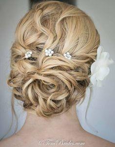 Toni Brides wedding hairstyle - Deer Pearl Flowers / http://www.deerpearlflowers.com/wedding-hairstyle-inspiration/toni-brides-wedding-hairstyle/