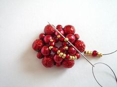 Marina Shamshura | VK Diy Christmas Earrings, Christmas Diy, Diy Earrings, Beading Patterns, Beaded Jewelry, Fruit, Beads, Kazakhstan, Food