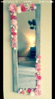 Great way to decorate mirror