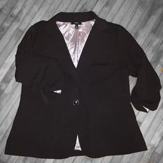 Torrid 3/4 Length Sleeve Blazer 3 false pockets, 3/4 length sleeves, 1 button closure, slightly stretchy, good condition - I just don't wear it often. torrid Jackets & Coats Blazers