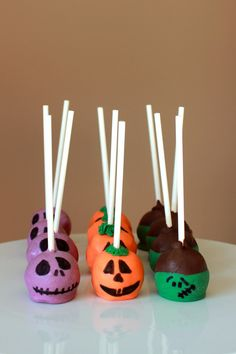 Halloween Cake Pop #halloween #cakepops #halloweentreats #pumpkincakepop