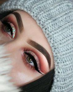 Gorgeous eye makeup will change your look #eyemakeup #eyeshadow