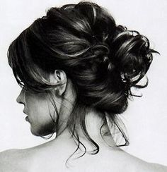 I love the messy bun look. Too bad my hair is WAY to short for it!