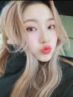 Kpop Girl Groups, Korean Girl Groups, Kpop Girls, Dragon Zodiac, Dream Note, Zodiac Funny, Camera Shy, Beautiful Blonde Girl, Only Girl