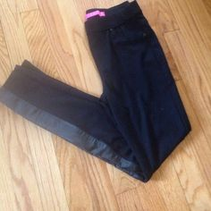 "Black jeggings Excellent condition never worn.   Pockets in the front are for looks the back pockets are real.  Inseam 28"" Macy's Pants Leggings"