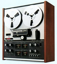 A selection of classic reel to reel tape recorders. Cd Audio, Hifi Audio, Recording Equipment, Audio Equipment, Cassette Vhs, Home Studio Music, Tape Recorder, Music Images, Vacuum Tube