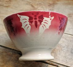 Rare antique french bowl for Coffee pattern Butterfly, cafe au lait bowl by badonviller end of 19th century, Ironstone butterfly by PetitMignonGrandBeau on Etsy https://www.etsy.com/listing/228119024/rare-antique-french-bowl-for-coffee