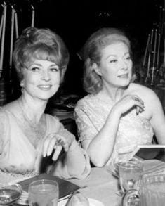 Agnes Moorehead and Greer Garson Hollywood Party, Hollywood Actor, Golden Age Of Hollywood, Hollywood Celebrities, Vintage Hollywood, Hollywood Stars, Hollywood Actresses, Classic Hollywood, Hollywood Picture