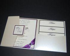 SAMPLE Luxury Embossed Wedding Invitation por StylishStationery