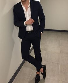 Best shirt stays to keep your shirt tucked in Casual Outfit for Men Korean Fashion Men, Mens Fashion Suits, Mens Suits, Blazer For Men Fashion, Topman Fashion, Stylish Mens Outfits, Casual Outfits, Stylish Man, Formal Men Outfit