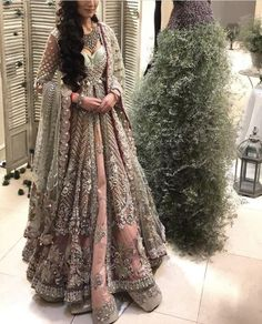 Mizz Noor has expeienced team, who can make such #luxurious #bridal #dresses To get your dream dress #madetomeasure talk to us today at cs@mizznoor.co.uk We guarantee #quality #qualityfabric #embriodery #embelishment #mizznoor