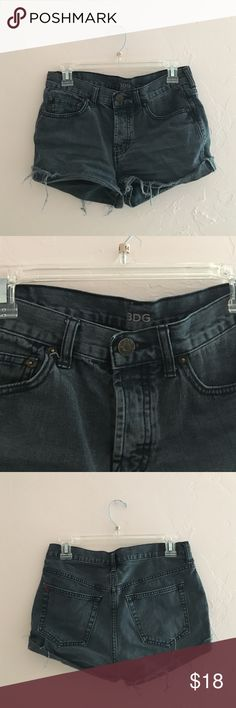Black BDG Denim Shorts Tomgirl 25w. They button instead of zip! They fit true to size and are in good used condition. BDG Shorts Jean Shorts