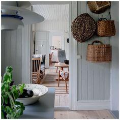 House Of Philia, Decoration Inspiration, Interior Inspiration, Decor Ideas, Swedish Cottage, Shabby Chic Decor Living Room, Scandinavian Home, Villa, House Design