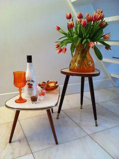 Vintage tafeltjes plantentafeltjes small tables