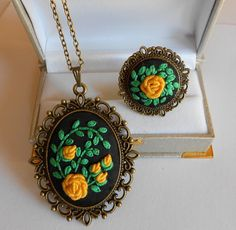 Jewelry set Vintage Style Jewelry Set Necklace by RedWorkStitches