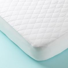 Best Bed Bug Mattress Cover For Protection Against Bed Bugs Mattress Pads and Encasements on Pinterest | Mattress pad, Mattress ...