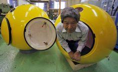 كبسولات يابانية مبتكره تحميك عند حدوث تسونامي ماذا بعد يا يابان ؟؟؟  تابع الخبر من هنا :  http://jeerancafe.com/?page=details&newsid=3163&cat=10