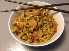 Jeg er kæmpe fan af det asiatiske køkken og i særdeleshed wokretter. De er så super nemme, kan varieres i det uendelige og kan smækkes sammenpå ingen tid i en travl hverdag. Samtidig kan retten varieres i det uendelige, så...Læs mere