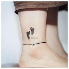 Mutterschaft Tattoos, Baby Feet Tattoos, Baby Name Tattoos, Mommy Tattoos, Mini Tattoos, Cute Tattoos, Body Art Tattoos, Faith Tattoos, Tattoos For Baby Boy
