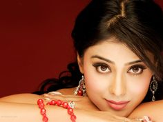 Shriya Saran Profile  http://aplivenews.com/reviews/actor-profile/shriya-saran-profile/