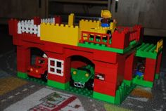 Duplo parking garage: A LEGO® creation by Ronnie Vos : MOCpages.com