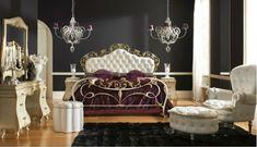 chambreà coucher baroque jolie, tapis et murs noirs, ameublement en beige et blanc