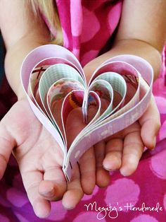 Paper Hearts Tutorial Step by step instructions! Valentines Day Activities, Valentine Crafts, Be My Valentine, Class Activities, Valentine Ideas, Holiday Crafts, Heart Diy, Heart Crafts, Crafts For Kids