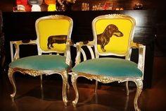 Pick contrast and theme create a tea corner  #casaelan #inreriordesigndubai #interior #interiordesign #design #contrast #armchair #chair #teacorner #home #homedecor #homedecoration #decoration #decore #muscat #oman #bahrain #qatar #saudi #arab #space #woods #woodwork #lifestyle #lifestyleblogger #dubai #beauty #pieces #instamood de casaelan_benjaminmoore_oman