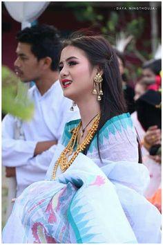 Cute Girl Photo, Cute Baby Girl, My Girl, Beautiful Bollywood Actress, Most Beautiful Indian Actress, Saree Jewellery, Krishna Leela, Saree Poses, Candy Art
