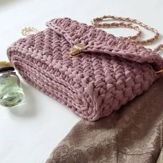 Penye ipten çanta modelleri We think that tattooing could be a method that has been used since the time of … Crochet Backpack, Crochet Clutch, Crochet Handbags, Crochet Purses, Cute Crochet, Crochet Yarn, Crochet Stitches, Crotchet Bags, Knitted Bags