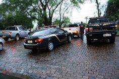 A Polícia Federal deflagrou na manhã de hoje (22/07), a terceira fase da Operação Huno, de combate ao mercado clandestino de cigarros. Policiais federais cumprem cinco mandados de busca e apreensão ex ...