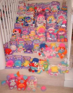 nostalgic.  i keep reading blogs about childhood toys and dolls and besides my cabbage patch kids, Popples were my FAV!!!  i wish i still had them!! nostalgia