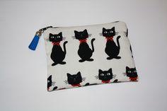 Pochette Porte monnaie zippé en coton aux motifs chats noir avec nœud papillon rouge