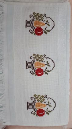 Cross Stitch Borders, Cross Stitch Designs, Cross Stitching, Cross Stitch Embroidery, Cross Stitch Patterns, Crochet Motif, Crochet Stitches, Hand Embroidery Design Patterns, Embroidery Fashion