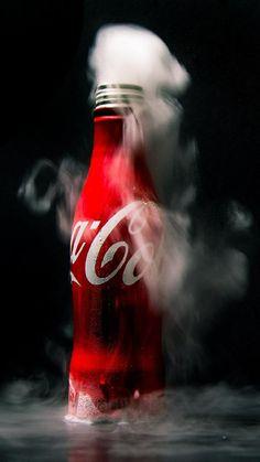 Coca Cola Wallpaper For Iphone Black Wallpaper, Cool Wallpaper, Coca Cola Wallpaper, Coca Cola Pictures, Coca Cola Vintage, Always Coca Cola, Coca Cola Bottles, Red Aesthetic, Pepsi
