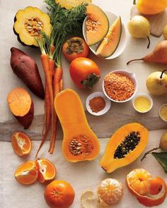 Eat ORANGE! :) Carotene rich foods include: sweet potatoes, carrots, winter squash, cantaloupe, persimmons, papaya, and last but not least, tangerines! / Wholesome Foodie <3