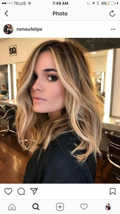 Here's Every Last Bit of Balayage Blonde Hair Color Inspiration You Need. balayage is a freehand painting technique, usually focusing on the top layer of hair, resulting in a more natural and dimensional approach to highlighting. Brown Hair With Highlights, Highlights Around Face, Front Highlights, Balayage With Highlights, Highlights For Brunettes, Blonde Highlights Bob Haircut, Honey Highlights, Partial Highlights, Light Highlights