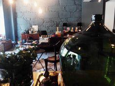 #mercadoloftstore #umseisum #porto #garrafão  #candeeiros #luz #cor #vidro #confiança #decor #flores #verão #verde #ambiente #reflexo #produto #interior #furniture #design #interiordesign