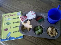 """Dr Suess Snack A """"one fish"""" sandwich """"two fish"""" gummies Blue Ocean water A school of """"glad"""" Fish """"new fish"""" fish eggs Stars (some of them have stars of their bellies! Dr Seuss Snacks, Dr Seuss Activities, Reading Activities, Cute Snacks, Lunch Snacks, School Snacks, Lunch Box, Dr Seuss Week, Dr Suess"""