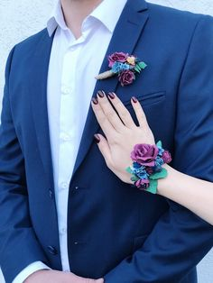 Blue Corsage, Prom Corsage And Boutonniere, Bridesmaid Corsage, Flower Corsage, Wrist Corsage, White Rose Boutonniere, Rustic Boutonniere, Button Holes Wedding, Wedding Champagne Flutes