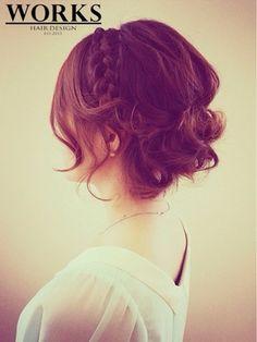 結婚式 髪型 ショートボブ ヘアアレンジ 編み込みルーズアップスタイル