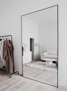 House Design, Home N Decor, Home, Small Apartment Interior, House Rooms, Cheap Home Decor, House Interior, Apartment Decor, Home Interior Design