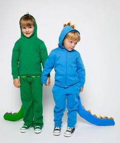 Last-Minute Halloween Costumes: Blue Dragon and Green Dragon Easy Diy Costumes, Homemade Halloween Costumes, Last Minute Halloween Costumes, Baby Costumes, Halloween Kids, Costume Ideas, Costume Box, Dragon Halloween, Halloween 2014