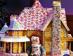 Top 10 Creative Gingerbread Houses in Pictures