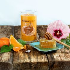 This citrus delight features fresh orange fizz combined with wild hibiscus, wild honey nectar and sugarcane, releasing an aroma that's simply sweet and satisfying.